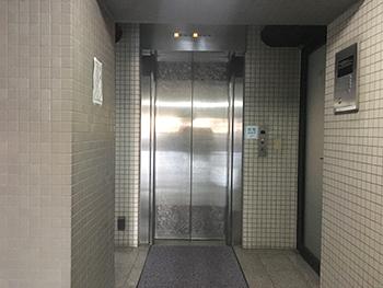 エレベーターで3Fまでお越し下さい